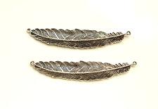 Set di 2 Stile Tibetano tono argento grande piuma charms ciondoli perline scoperte