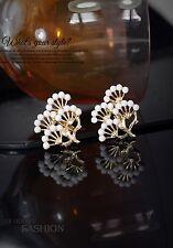 Boucles d`Oreilles Clips Doré Mini Perle Houppier De Pin Retro Vintage J1