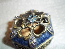 Lovely Small trinket Box Old Style