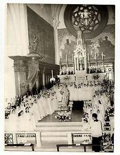 Communion enfant église choeur - photo ancienne an. 1950 60 18x24 cm