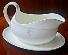Royal Doulton carnation H5084 gravy boat and stand1st quality