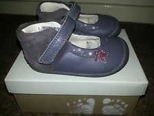 Gorgeous Girls Brand New Clarks First Shoes Size 4.5F Little Zoe