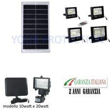 FARO LED CON PANNELLO SOLARE CREPUSCOLARE 10W 25W 40W 60W 100W 200 + TELECOMANDO
