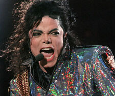 MICHAEL JACKSON UNSIGNED PHOTO - 8084 - BILLIE JEAN, THRILLER & BEAT IT