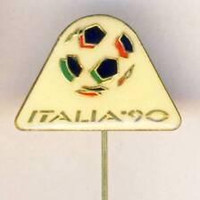 1990 FIFA WORLD CUP in Italy PIN Badge FOOTBALL Soccer ITALIA Calcio White