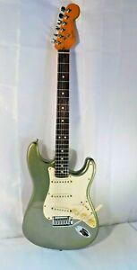 FENDER American Standard Stratocaster Electric Guitar 1991