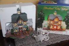 HEARTLAND VALLEY VILLAGE CHRISTMAS HOLIDAY HOUSE DELUXE LIGHTED HOUSE GARDEN