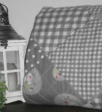 Tagesdecken mit Patchwork-Muster in aktuellem Design