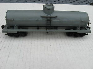 Lionel 715K Unpainted Full Scale Tank Car in excellent condition