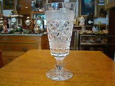 Très beau vase en verre pressé moulé au col évasé hauteur 25 cm