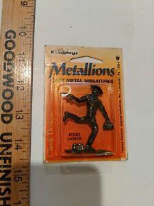 Hubley Vintage Metal Miniatures Wyatt Earp, Geronimo, Kit Carson, Jesse James.