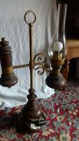 Lampe à quinquet ancienne bois laiton ou bronze électrifiée