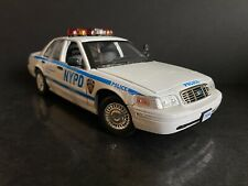 2001 Ford Crown Victoria LX Version Police Interceptor NYPD 1/18