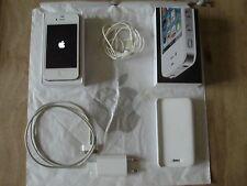 iphone 4 BLANC 8GB complet et en parfait etat chargeur notice ecouteurs boite et