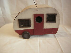 VINTAGE BIRD HOUSE IN THE SHAPE OF A CARAVAN 20 CM LONG 16 CM WIDE 16 CM TALL