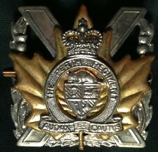 THE PERTH REGIMENT of Canada Highlanders '53-65 cap badge bi-metal 3 pc Canadian