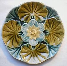 assiette barbotine Art Nouveau: Passiflore bleue sur 4 feuilles vertes, Wasmuel