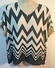 New RELATIVITY Black White Chevron Print Gold Trim Kimono Sleeve Top NWT L