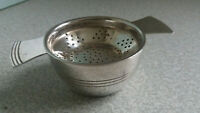 LOVELY ANTIQUE ART DECO SILVER PLATED TEA STRAINER AND BOWL-  MAKER ELKINGTON -
