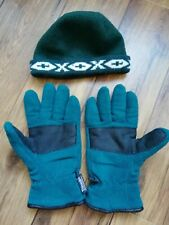 Mens green fleece hat and Thinsulate gloves