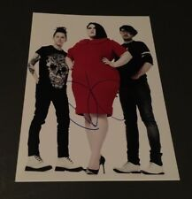BETH DITTO signed In-Person Photo 15x20 Autogramm
