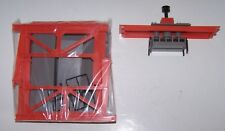 HO Scale Stationary Working Loading Crane NIB Lot L18-334