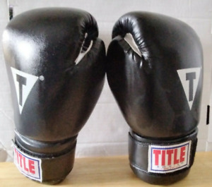 TITLE Classic Style Boxing Gloves Leather Bag Black Red Spellout 12oz Adjustable