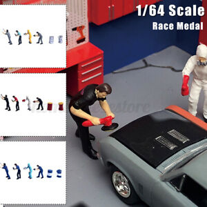 1/64 Scale Figure Technician Repairing Men Group Scenario Race Medal Siku Set