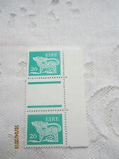 Irlanda 1981 Mint N H 26p par de canal SG 482 18/002