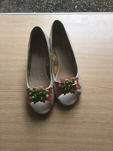 Ladies Designer Stacatto Shoes Size 8