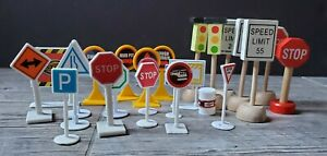 Lot Of Toy Train Accessories Road Signs Wood & Plastic Mixed Lot