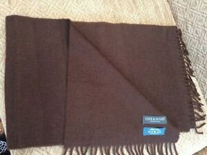 LYLE & SCOTT 100% CASHMERE FRINGED SCARF IN CHOCOLATE BROWN