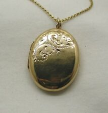 Vintage 1970's Lovely 9ct Gold Engraved Locket And Chain