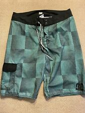 Mens DC shoes Board Shorts Swimsuit Trunks 30 green