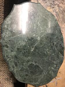 Tischplatte - Marmorplatte - Naturstein - grüner Tisch - schöne Rundungen