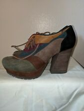 Carthies 70s inspired Platform Suede Shoes Great Condition Sz 7