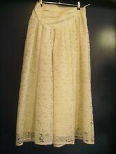 Belle jupe longue en dentelle vintage taille 38-40