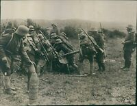 German soldiers reloading an artillery gun during the first world war. - 8x10 ph