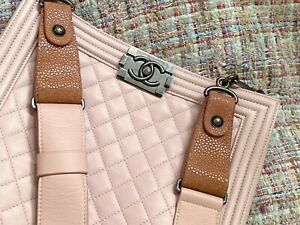 AUTHENTIC CHANEL QUILTED LARGE BOY BAG CROSSBODY DRAGEE PALE PINK STINGRAY