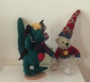 """DEB CANHAM """"TOGETHER FOREVER"""" MINIATURE MOHAIR BEAR ATOP ULTRASUEDE DRAGON"""