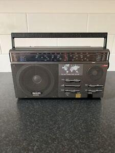 Vintage Philips D2615 5 Band Radio - Working