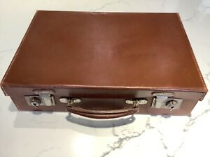 Vintage small leather case clean case with key