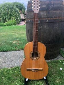 Flemenco Guitar made in Valencia Spain circa 1965