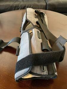 donjoy adjustable knee brace large