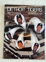 1991 DETROIT TIGERS Yearbook Magazine Fielder Trammell Whitaker Fryman