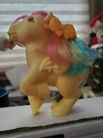 VINTAGE HASBRO MY LITTLE PONY 1983 G1 PEGASUS SKYDANCER YELLOW  RAINBOW HAIR MLP