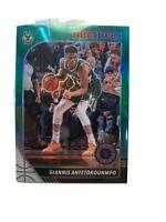 2019-20 NBA Hoops Premium Stock Giannis Antetokounmpo Green PRIZM Bucks MVP SP