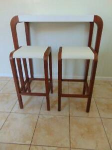 Breakfast Bar Dining Table and 2 stools
