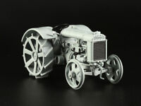 Fordson Putilovets Soviet Farm Tractor Сopy of Fordson-F 1924 Year 1/43 Scale