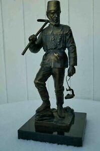 Siegerländer Bergmann - Henner. Bronzeskulptur ca. 30 cm, 2,75 kg